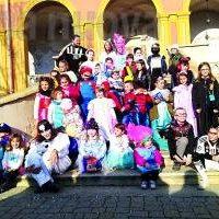 Borgone: caos Coronavirus, Carnevale ridotto ma i colori vincono